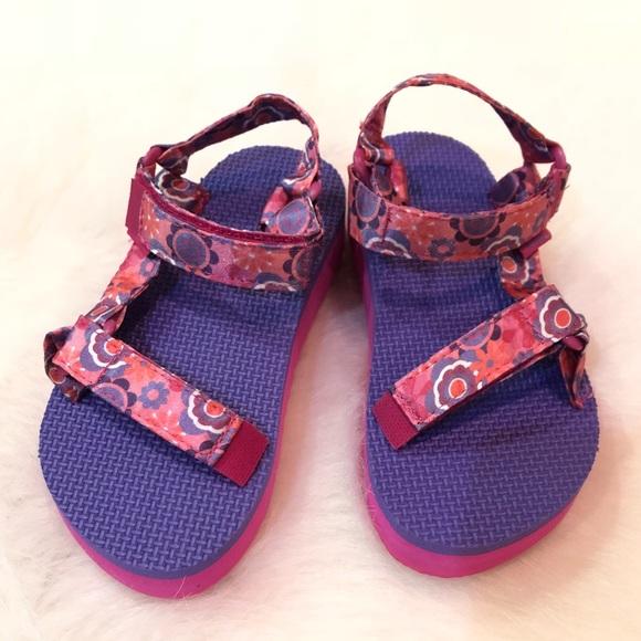 8b731d819cf NWOB Teva toddler girl size 12 pink satin straps